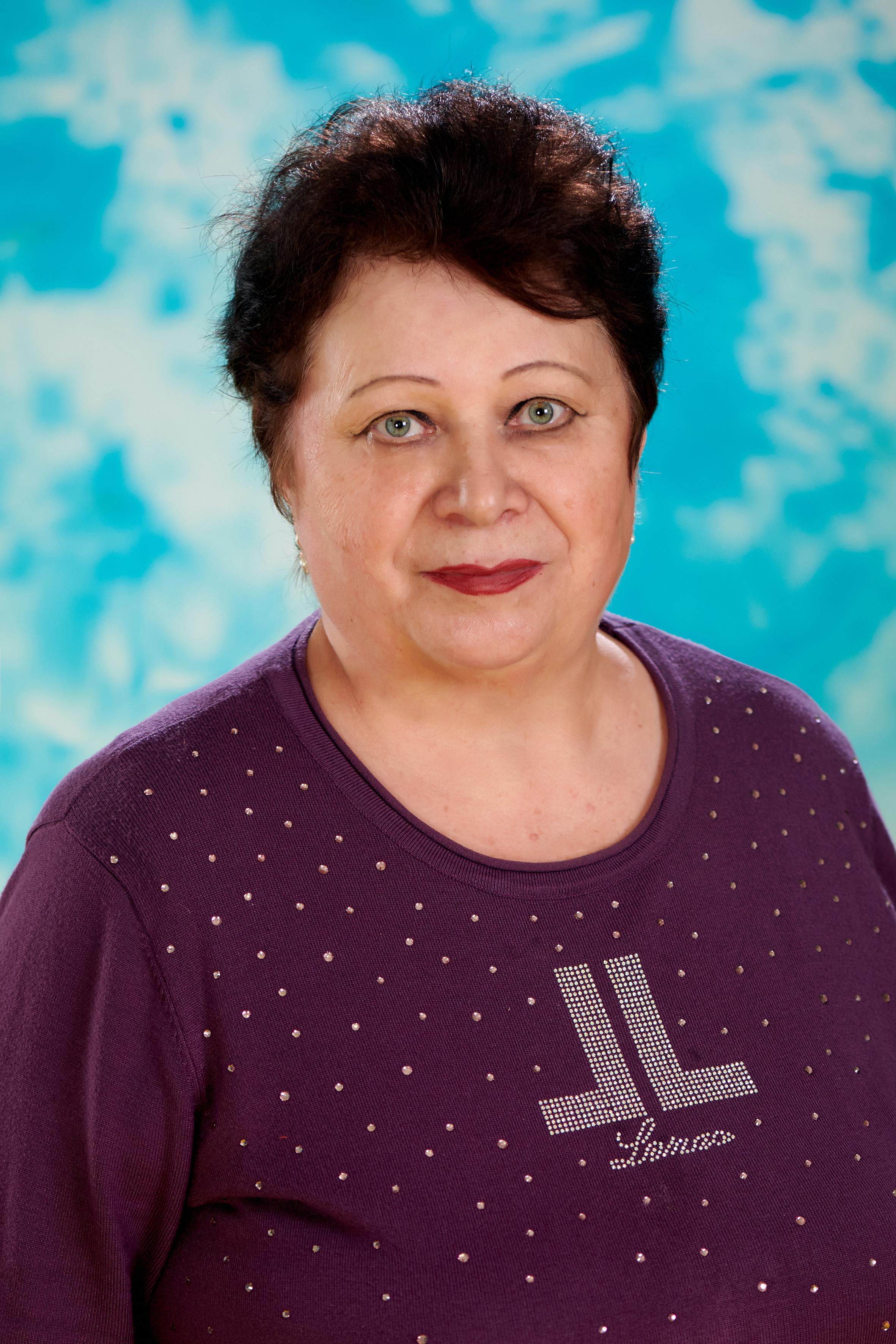 Костенко Валентина Николаевна, старшая медсестра