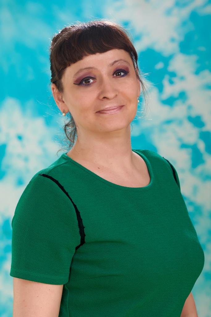 Бурыкина Оксана Николаевна, воспитатель группы № 5, Красная шапочка